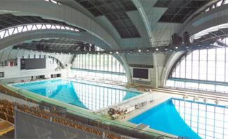 大型水泳体育館